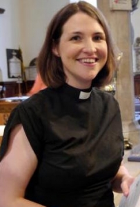 Revd Vanessa Conant_preparing before the Licensing Service on 13_07_2015.jpg-pwrt3